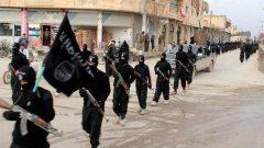 جنود من تنطيم الدولة الاسامية في مدينة الرقة في سوريا (أرشيف) - Radio Canada