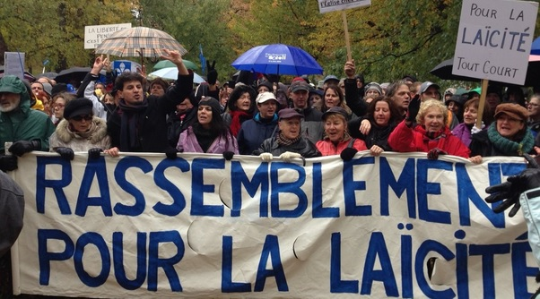 """مظاهرة مساندة لشرعة """"القيم الكيبيكية"""" في مونتريال -Radio Canada"""