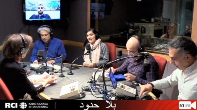 أسرة القسم العربي وضيوفنا المغنّية الشابّة كريستا ماريا أبو عقل والشاب سامي ايلي حجّار معدّ زينة الميلاد المميّزة في برنامج بلا حدود في 21-12-2018/RCI