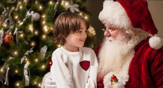 في عام 1974، قرر ثلاثة من موظفي البريد الكندي التطوع للإجابة على رسائل الأطفال المرسلة إلى بابا نويل. ويشارك حاليا آلاف المتطوعين في الرد على رسائل الأطفال للحفاظ على سحر عيد الميلاد حيّا. - iStock