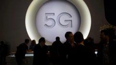 تتنافس عدة شركات اتصالات عالمية من بينها هواوي ونوكيا و السودية أريكسون في مشروع بناء أكبر شبكة محمول من الجيل الخامس 5G في كندا لحساب مزوّدي خدمات الاتصالات - Francisco Seco Associated Pres/