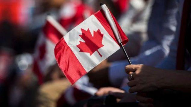 لا يتقلّ تكلفة طلب الكفالة للوالدين والأجداد عن 1.000 دولار - Mark Blinch/Canadian Press