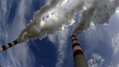 فرضت الحكومة الكنديّة ضريبة الكربون بهدف مكافحة التغيّر المناخي/Reuters / Peter Andrews