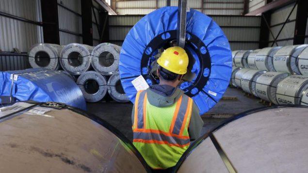 يوجد أكثرمن 100 ألف وظيفة شاغرة في جميع أنحاء كيبيك بسبب النقص في العمالة - Canadian Press/Associated Press/Eric Gay