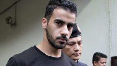 يواجه حكيم العريبي حكما بالسجن لمدة 10 سنوات في البحرين بتهمة التخريب - Gemunu Amarasinghe/AP Photo File
