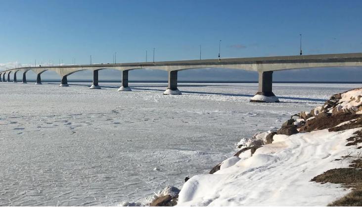 جسر الكونفدرالية الكندية الذي يربط بين مقاطعتي برنس إدوارد آيلاند ونيوبرنزويك الواقعتين في الشرق الكندي/Radio Canada