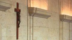 رُفع الصليب في قاعة مجلس بلدية مونتريال في عام 1937 - Radio Canada