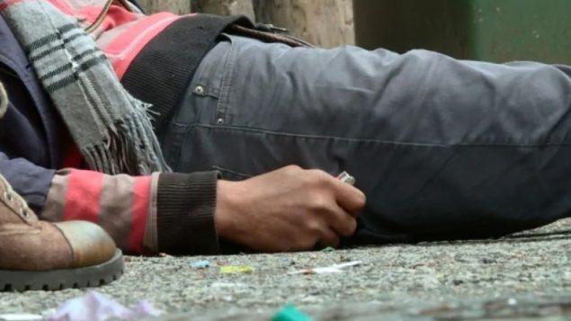 وضعت العديد من المقاطعات خططا لمواجهة أزمة أشباه الأفيونيّات التي تجتاحها وتوقع ضحايا بين المدمنين/CBC/هيئة الاذاعة الكنديّة