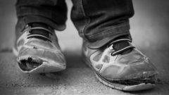 في عام 2017 كان نحو من ثلاثة ملايين وأربعمية ألف شخص في كندا يعيشون تحت عتبة الفقر حسب إحصاءات كندا/أيستوك