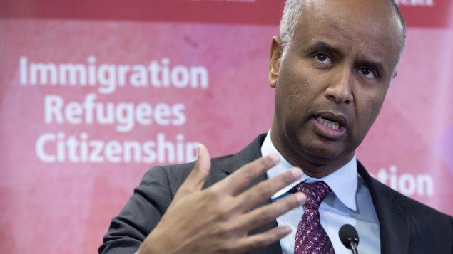 وزير الهجرة الكندي أحمد حسين يتحدّث في تورونتو في 14-01-2019/Frank Gunn/CP
