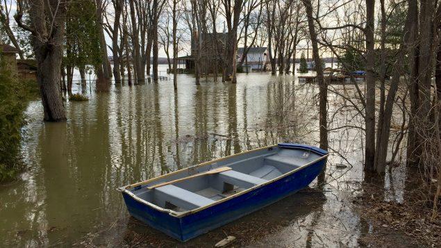 المياه غمرت المنازل في مدينة سانت ماري دو بوس في جنوب مقاطعة كيبيك/Radio-Canada / Pierre-Alexandre Bolduc