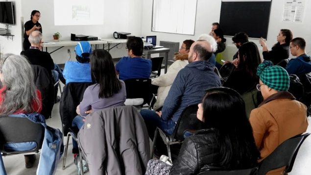لقاء للتعريف ببرامج وزارة الهجرةالكنديّة الخاصّة بمقدّمي الرعاية العائليّة الأجانب/ Radio-Canada