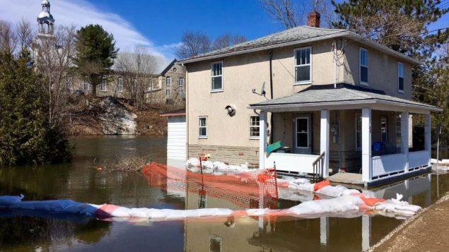 فيضانات في سات اندريه أفيلان – Radio Canada / Denis Babin