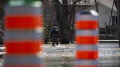 """ووفقًا لمجموعة من الخبراء في علم المناخ الإقليمي والتكيف مع تغير المناخ ، فإن """" تكرار وشدة الفيضانات مرتبط بتغير المناخ. لذلك لم يعد يكفي الاعتماد على الإحصاءات التاريخية والخبرة السابقة لتحديد المخاطر المستقبلية. """" - Radio Canada / Ivanoh Demers"""