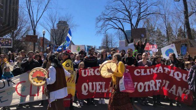 قدّر المنظمون عدد المتظاهرين الآتين من جميع أنحاء كيبيك بنحو 5.000 - Radio Canada / Camille Simard