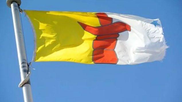 علم إقليم نونافوت - CBC