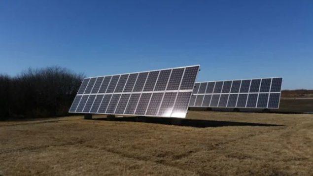 ألواح شمسية لتوليد الطاقة الكهربائية -Saskatoon Light and Power