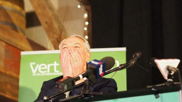 زعيم حزب الخضر بيتر بيفن بيكر مسرور بعد فوز حزبه بثمانية مقاعد /Radio-Canada / Elisa Serret
