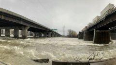 جسر مقفل بسبب ارتفاع منسوب المياه في غرب مونتريال/Radio-Canada / Conrad Fournier