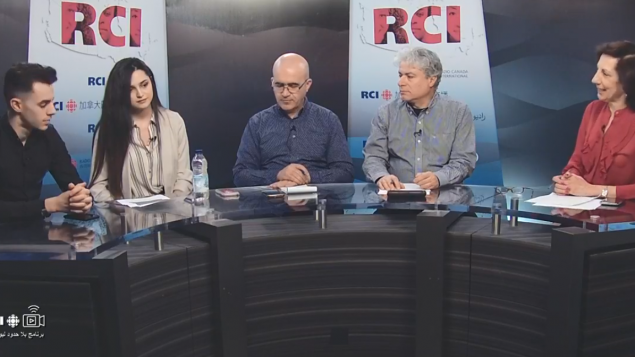 أسرة القسم العربي وضيفا الحلقة ياسمين بيبي تريكي وإدير بن قادوم في برنامج بلا حدود في 05-04-2019/RCI