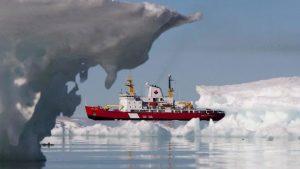 الممر الشمالي الغربي هو الممر البحري الذي يربط المحيط الأطلسي بالمحيط الهادي عبر أرخبيل القطب الشمالي الكندي - The Canadian Press / Sean Kilpatrick
