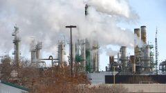 ضريبة الكربون الفدرالية تهدف إلى مكافحة التغيّر المناخي - CBC