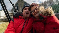 موريس ديجاردان، المريض الذي أُجريت له أوّل عملية زراعة وجه في كندا مع زوجته - Radio Canada