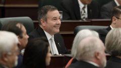 حكومة المحافظين المحليّة برئاسة جيسون كيني قدّمت برنامجها في الجمعيّة التشريعيّة في المقاطعة/Jason Franson/CP