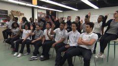 تلاميذ مدرسة لوي جوزيف بابينو في مونتريال يناقشون مشروع قانون علمانية الدولة في كيبيك - Radio Canada