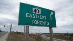 """""""الطرق السريعة في المقاطعة مصممة بشكل جيد للقيادة الآمنة بسرعة 120 كم / ساعة .""""، وفقا لوزير النقل في أونتاريو - Paula Duhatschek / CBC"""