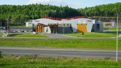 كازينو غراي روك في المنظقة التجارية في محمية أمّة ةاليسيت ماداواسكا – Radio Canada / Elisa Serret