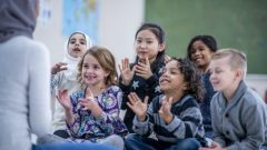 يمنح قانون العلمنة، الساري منذ الأحد الماضي، حقًا مكتسبًا للمعلمين الذين كانوا يرتدون رموزا دينية في 28 مارس آذار الماضي، تاريخ تقديم مشروع القانون أمام الجمعية الوطنية في كيبيك - iStock