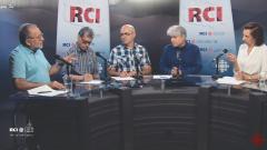 من اليمين: أسرة القسم العربي وضيفا البرنامج إيهاب لطيّف وحسّان جمالي/RCI