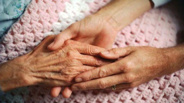 طلبات الحصول على المساعدة الطبيّة على الموت ارتفعت عام 2019 في مقاطعة مانيتوبا/Corbis