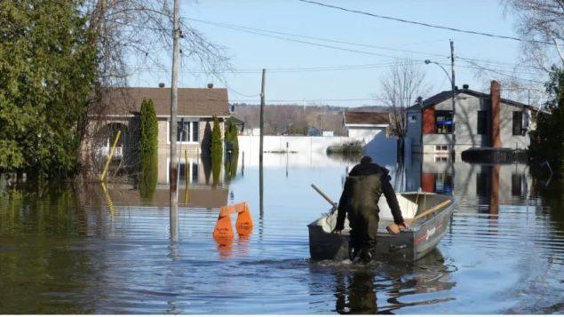 منازل غمرتها الفيضانات في منطقة اوتاوي كامبرلاند/ Hallie Cotnam/CBC/ هيئة الاذاعة الكنديّة