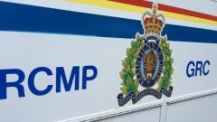 شعار الشرطة الملكية الكندية على سيارة للشرطة/راديو كندا