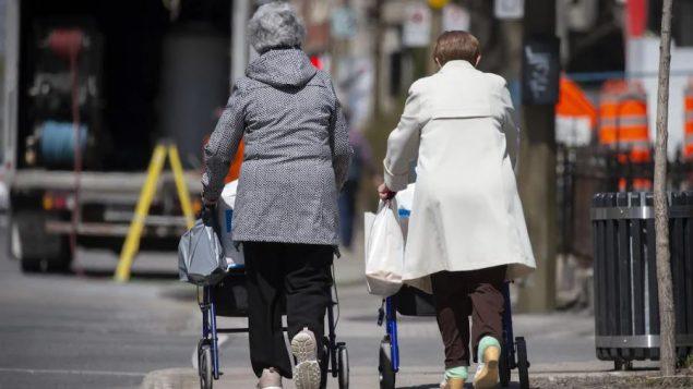 ارتفاع نسبة المستين ممن هم ما فوق 65  عاما مع نسبة أقل في سوق العمل/راديو كندا