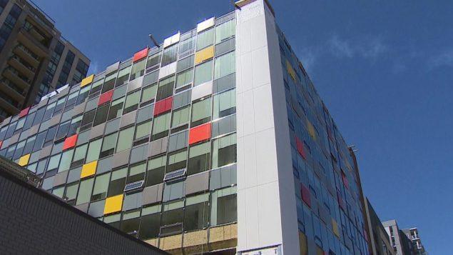 أبراج المكاتب في مدينة كالغاري تتحوّل إلى شقق سكنيّة/Radio- Canada