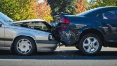 سكان بريتيش كولومبيا يدفعون ما معدله 1.832 دولارًا سنويًا لتأمين سياراتهم - Robert Crum Shutterstock/