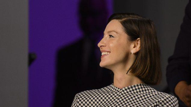 الممثّلة الايرلنديّة كاتريونا بالف لدى وصولها إلى المؤتمر الصحفي في مهرجان تورونتو السينمائي الدولي/Andrew Lahodynsky/CP