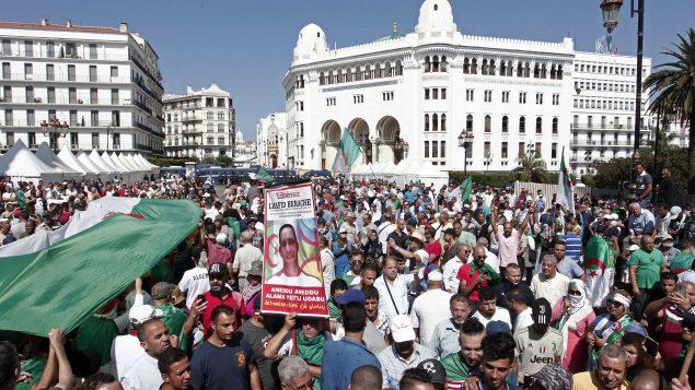مظاهرة احتجاجية في الجمعة الـ29 في الجزائر العاصمة منذ انطلاق الحراك الشعبي - AP Photo / Fateh Guidoum/ 06-09-2019