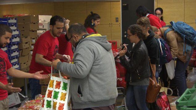 في عام 2017، كان نحو من 4 ٪ من مستخدمي بنوك الطعام في كيبيك من الطلاب من بينهم طلبة أجانب - Radio Canada