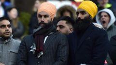 عضو المجلس التشريعي في أونتاريو غوراتان سينغ (إلى اليمين)، شقيق زعيم الحزب الديمقراطي الجديد جاغميت سينغ - (أرشيف) - The Canadian Press / FRANK GUNN