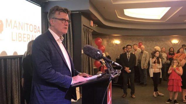 زعيم الليبراليّين المحليّين دوغالد لامون الذي حلّ حزبه في المرتبة الثالثة/Radio-Canada