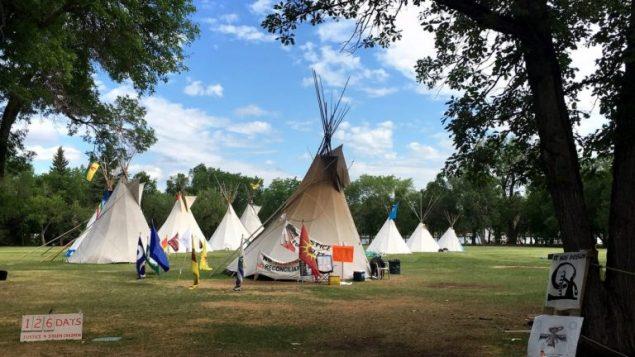 تصميم قاعة المحكمة مستوحى من خيمة التيبة التقليديّة للسكّان الأصليّين/CBC/ هيئة الاذاعة الكنديّة
