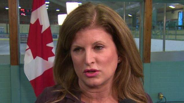 رونا أمبروز، وزيرة الصحة في الحكومة الكندية بين 2013 و2015 - CBC