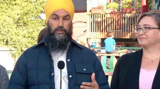 زعيم الديمقراطيّين الجدد جاغميت سينغ تعهّد ببناء مساكن اجتماعيّة بأسعار مقبولة في حال فوزه بالسلطة/Radio-Canada