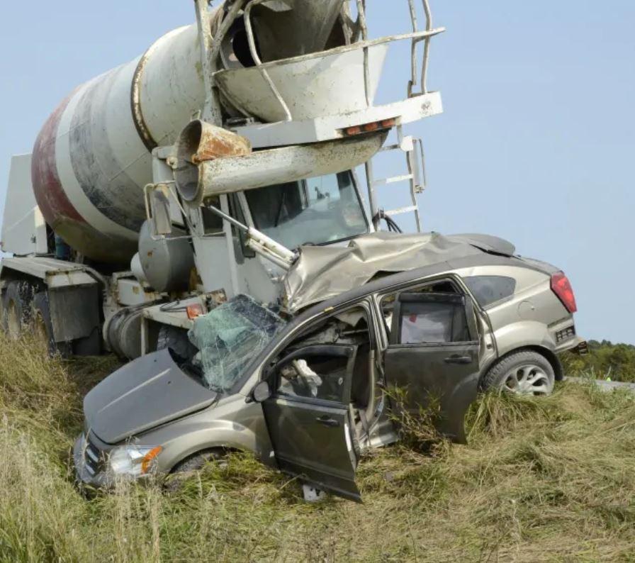 حادث سير مميت سببه القيادة بانتباه مشتّت حسب شرطة أونتاريو المحليّة/OPP