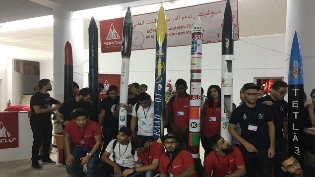 المشاركون في المسابقة الطلابية لإطلاق الصواريخ في جامعة البليدة في الجزائر - Courtesy : Abdelkader Kherrat