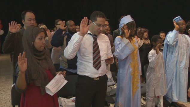 حفل أداء اليمين للحصول على الجنسية الكندية - CBC